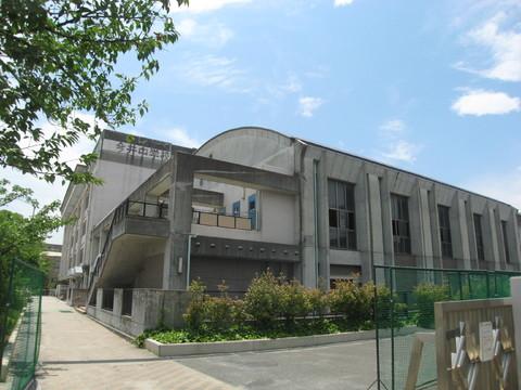 今井中学校 約50m