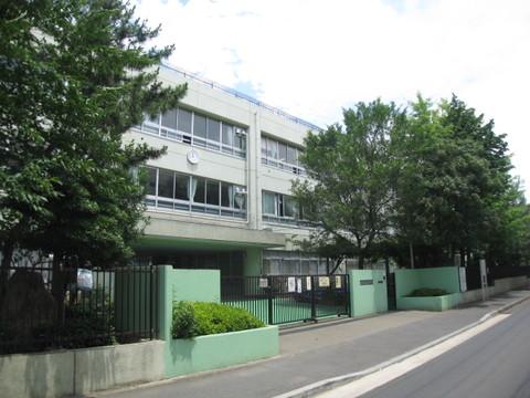 今井小学校まで徒歩11分(840m)
