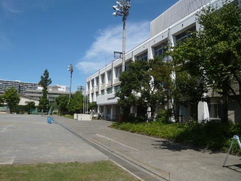久本小学校 徒歩7分(550m)