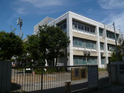 久本小学校 徒歩2分(140m)