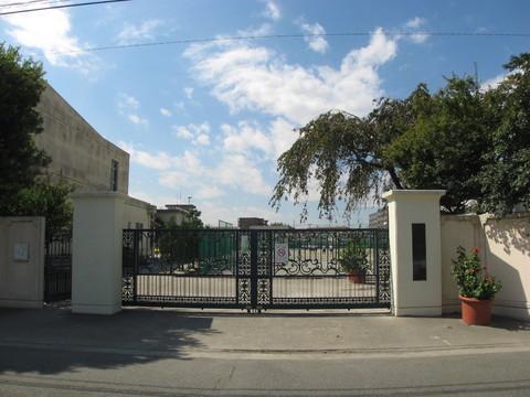 玉川中学校(徒歩11分 約850m)