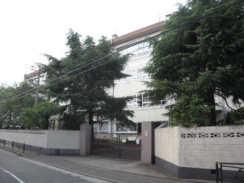 住吉中学校(徒歩9分 約690m)
