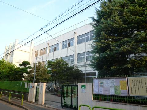 糀谷小学校約560m