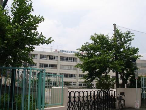 日吉小学校 徒歩16分(約1230m)