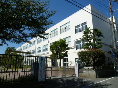 桜台小学校 徒歩9分(約700m)