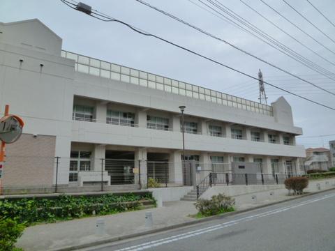 岩井原中学校 徒歩1分(約60m)