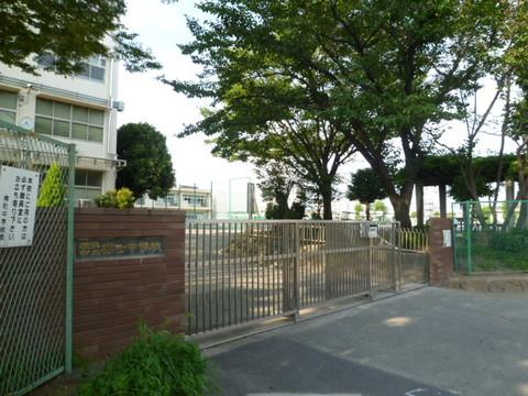 樽町中学校 約1360m