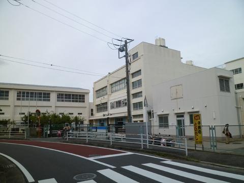 六ッ川台小学校 約450m