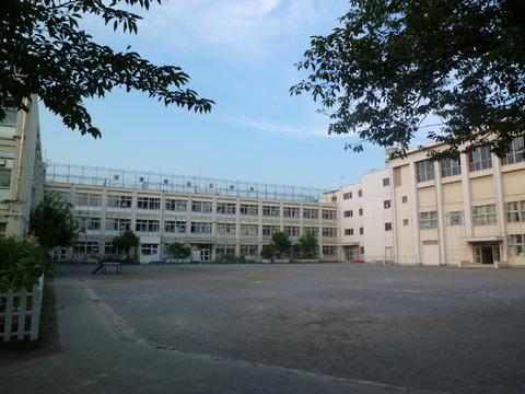 東糀谷小学校 約930m