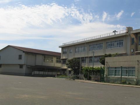 古川小学校 約800m