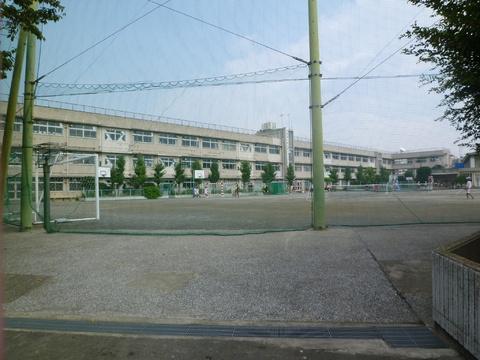 志茂田中学校 約750m