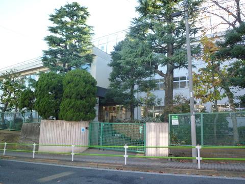 池雪小学校 12分(約950m)