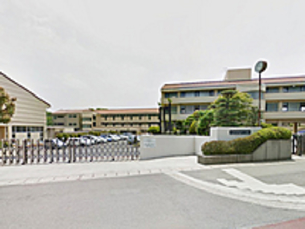 石川小学校