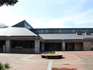 鹿嶋市立中央図書館