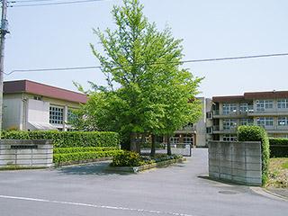 鉢形小学校