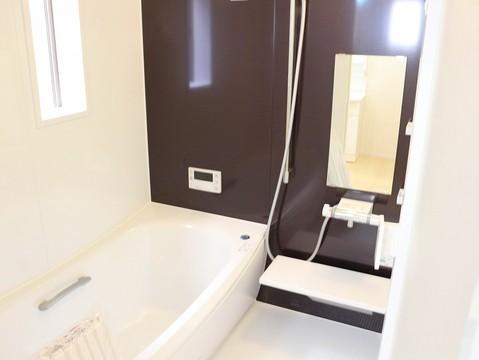 足を伸ばして、お風呂に浸かって、ゆっくりとした時間を楽しんでください。